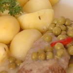 Klopsy s hráškem a bramborem
